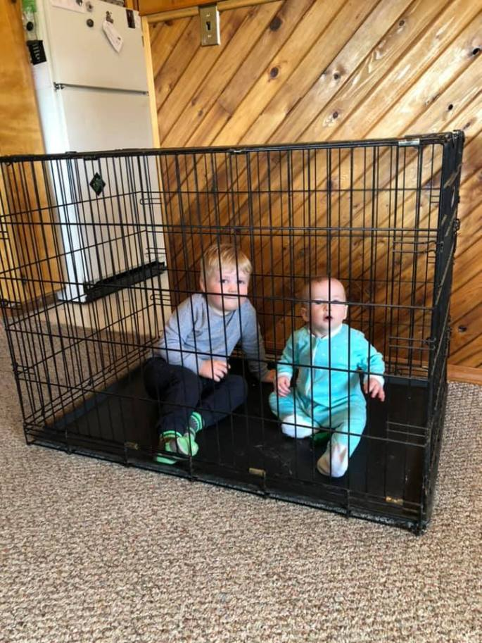 kids in cage